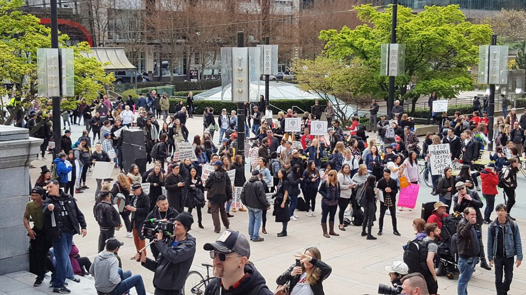 Crowds gathered at Vancouver Art Gallery after the march in 2019